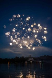 fireworks-four-seasons-resort