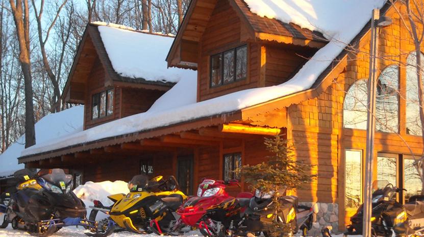 Bayfield County Wisconsin Snowmobile Lodging & Trailside Bar